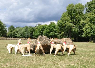 Akane Takayama DOG sculpture in Clissold Park